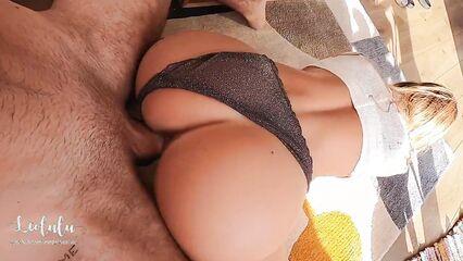 Любительское порно муж и жена в трусиках трахаются раком на полу
